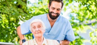 How to Become a Geriatric Nurse